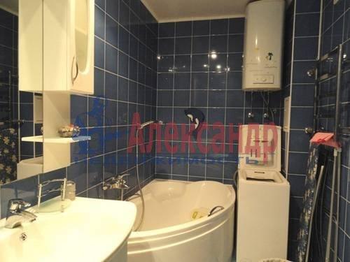 2-комнатная квартира (69м2) в аренду по адресу Коломяжский пр., 28— фото 2 из 9