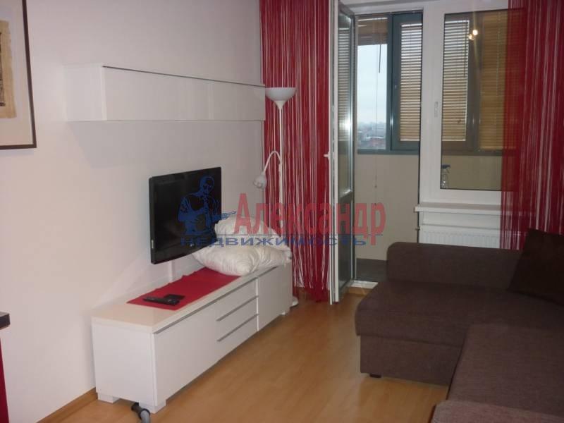 1-комнатная квартира (39м2) в аренду по адресу Новолитовская ул., 4— фото 1 из 4