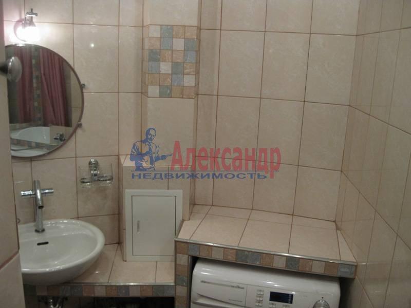 3-комнатная квартира (62м2) в аренду по адресу Ропшинская ул., 32— фото 10 из 11