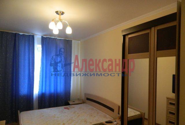 2-комнатная квартира (52м2) в аренду по адресу Учительская ул., 18— фото 1 из 4