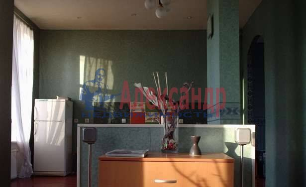 2-комнатная квартира (60м2) в аренду по адресу Мира ул., 24— фото 1 из 3