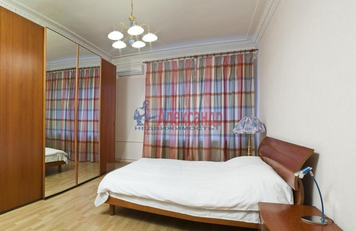 3-комнатная квартира (100м2) в аренду по адресу Ивановская ул., 13— фото 2 из 4