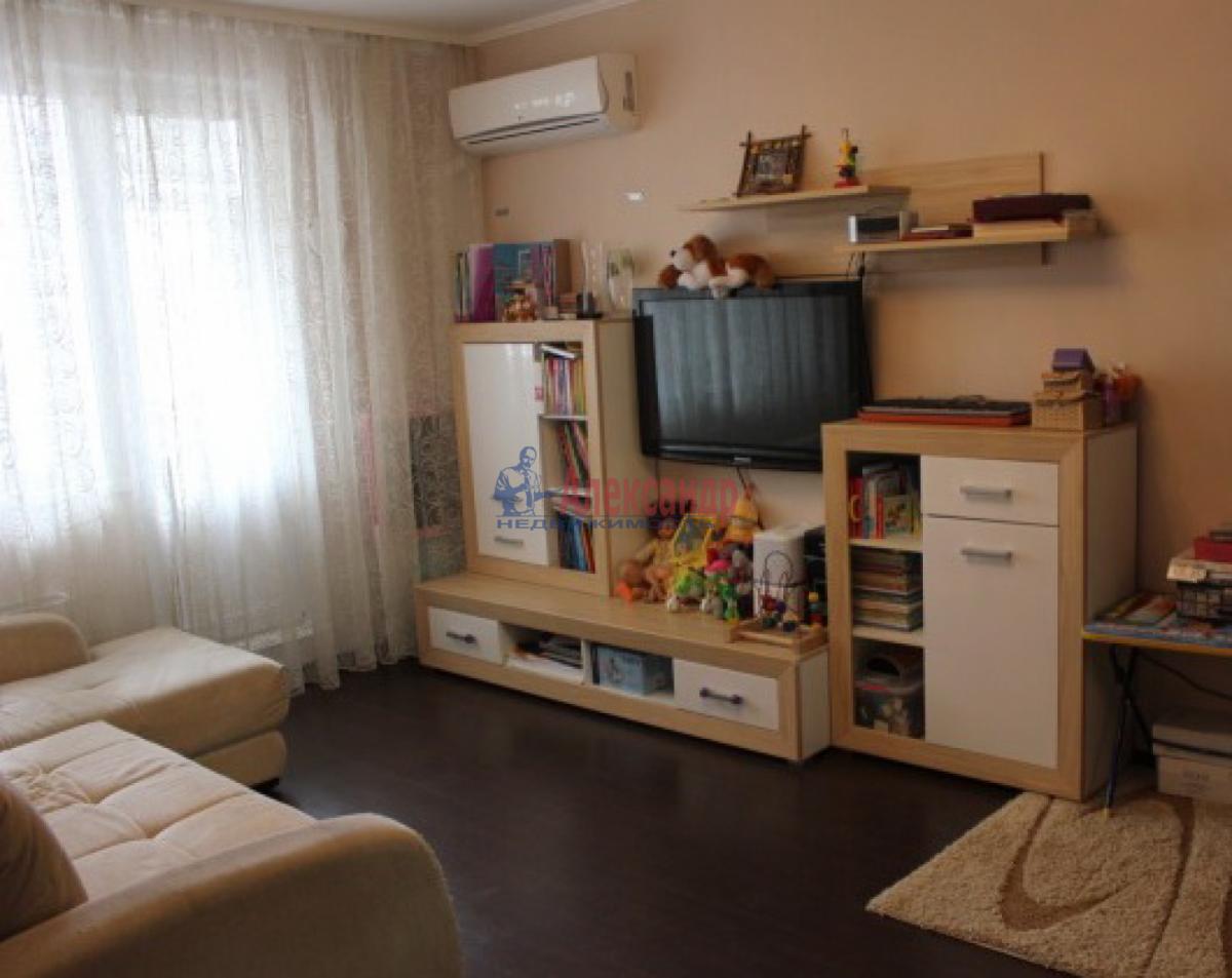 1-комнатная квартира (42м2) в аренду по адресу Ветеранов пр., 52— фото 3 из 5
