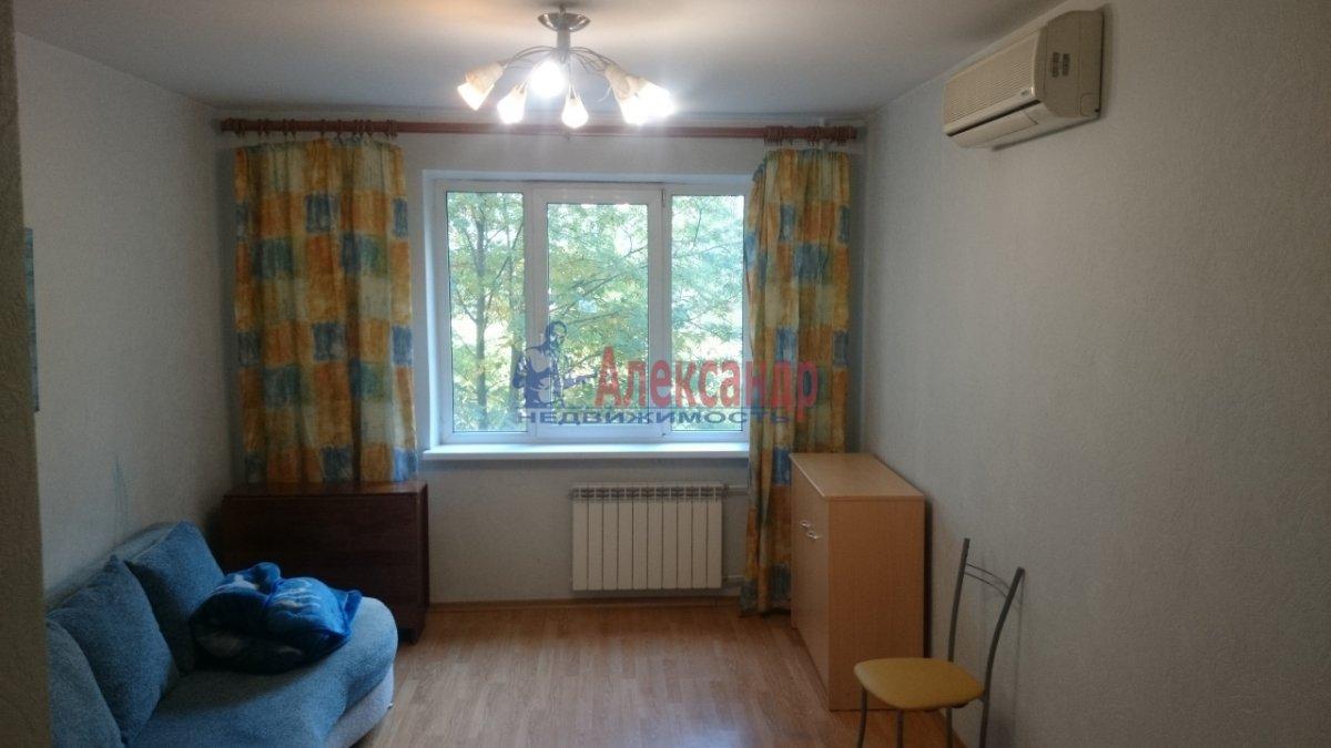 2-комнатная квартира (50м2) в аренду по адресу Комендантский пр., 20— фото 1 из 10
