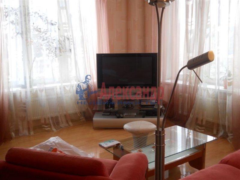 1-комнатная квартира (35м2) в аренду по адресу Ивановская ул., 7— фото 2 из 4