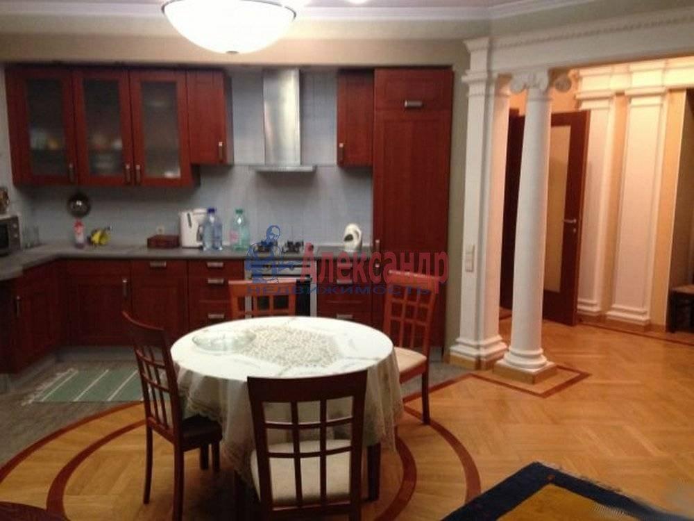 3-комнатная квартира (125м2) в аренду по адресу Радищева ул., 17— фото 1 из 9