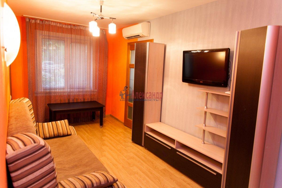 2-комнатная квартира (60м2) в аренду по адресу Просвещения пр., 30— фото 1 из 1