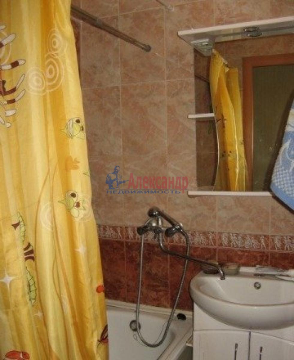 Комната в 3-комнатной квартире (60м2) в аренду по адресу Курляндская ул.— фото 2 из 4