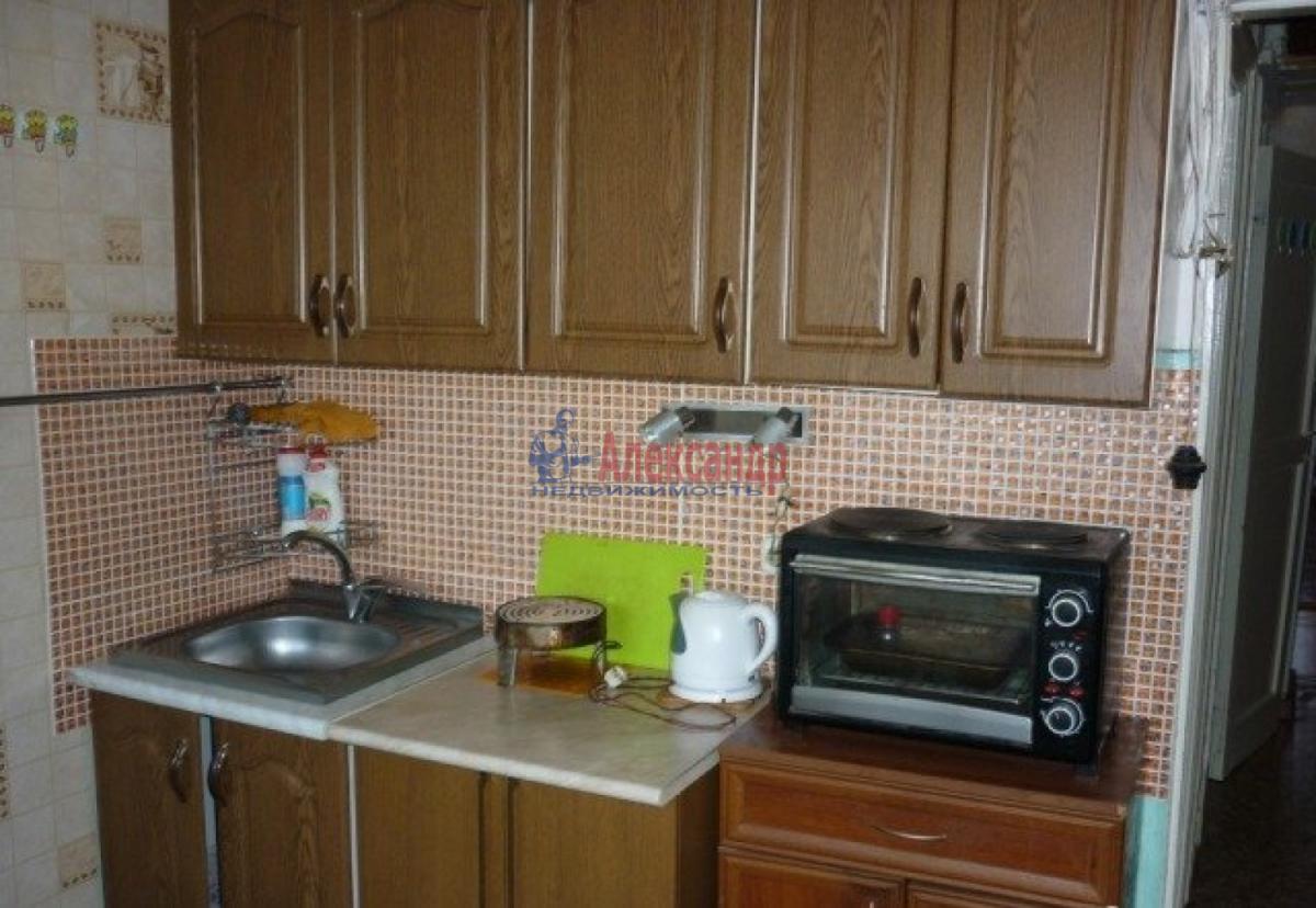Комната в 2-комнатной квартире (48м2) в аренду по адресу Олеко Дундича ул., 11— фото 1 из 6