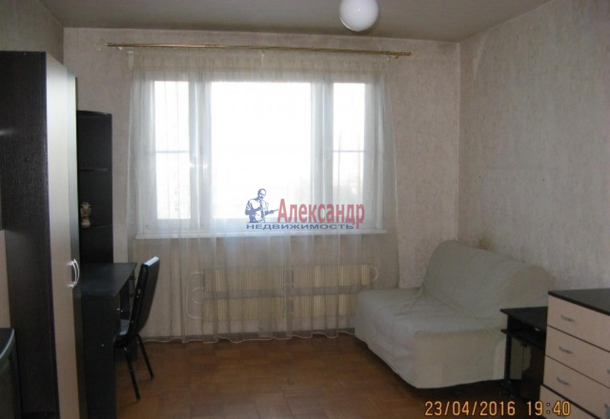 2-комнатная квартира (53м2) в аренду по адресу Наличная ул., 36— фото 2 из 7