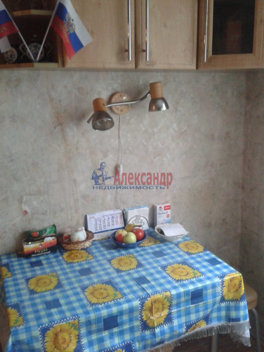 Комната в 4-комнатной квартире (74м2) в аренду по адресу Энгельса пр., 130— фото 2 из 7