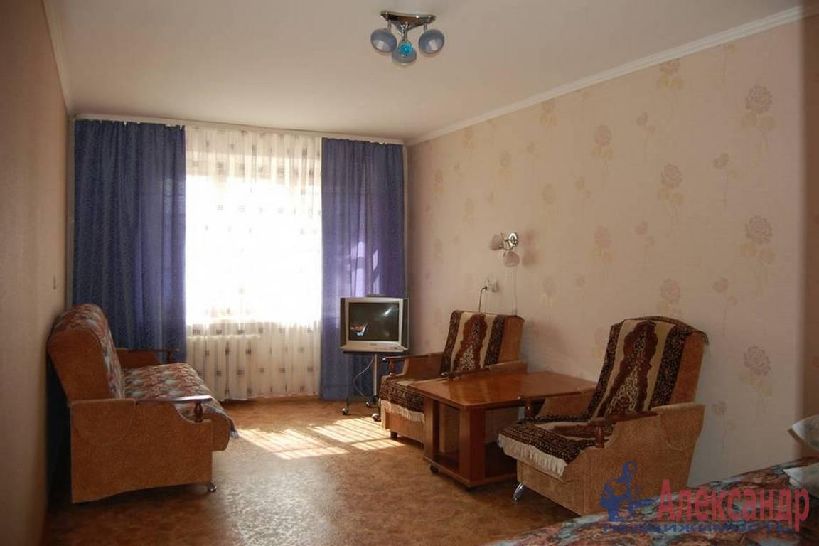 2-комнатная квартира (48м2) в аренду по адресу Наличная ул., 36— фото 1 из 4
