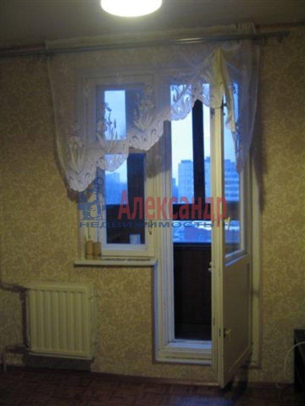 1-комнатная квартира (35м2) в аренду по адресу Московский пр., 73— фото 1 из 4