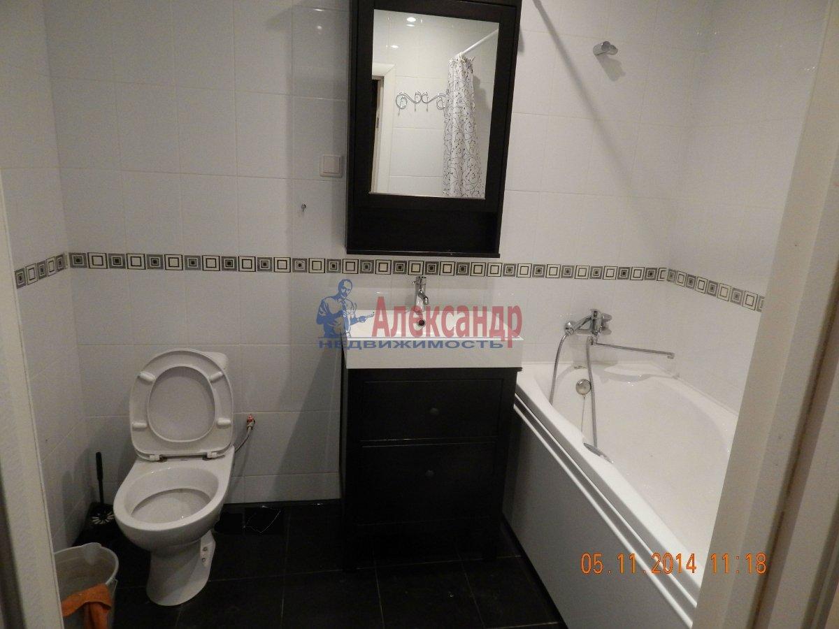 1-комнатная квартира (43м2) в аренду по адресу Мурино пос., Привокзальная пл., 3— фото 4 из 9