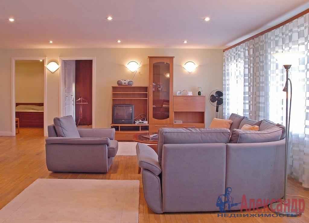 2-комнатная квартира (90м2) в аренду по адресу Восстания ул., 40— фото 1 из 2