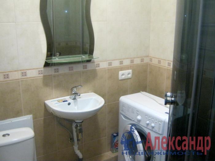 1-комнатная квартира (41м2) в аренду по адресу Малая Балканская ул., 26— фото 2 из 3