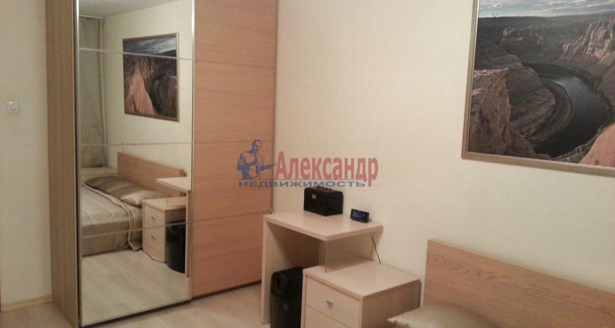2-комнатная квартира (70м2) в аренду по адресу Бухарестская ул., 110— фото 3 из 6