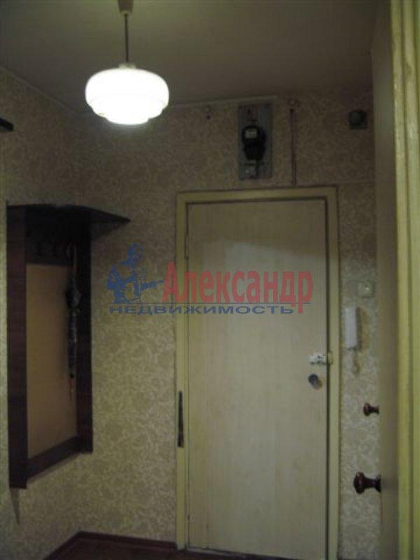 1-комнатная квартира (35м2) в аренду по адресу Московский пр., 73— фото 2 из 4