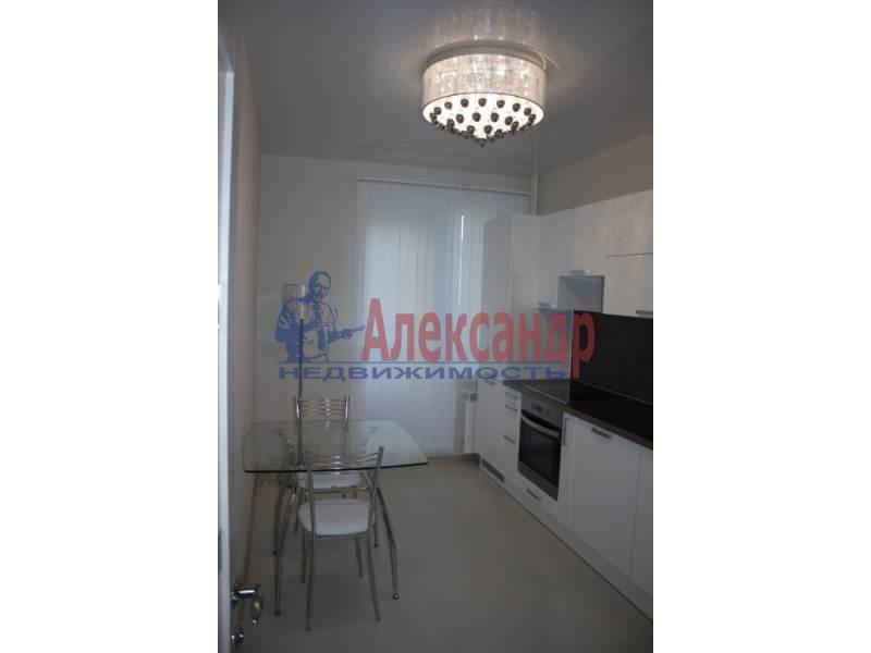 1-комнатная квартира (42м2) в аренду по адресу Учительская ул., 18— фото 1 из 6