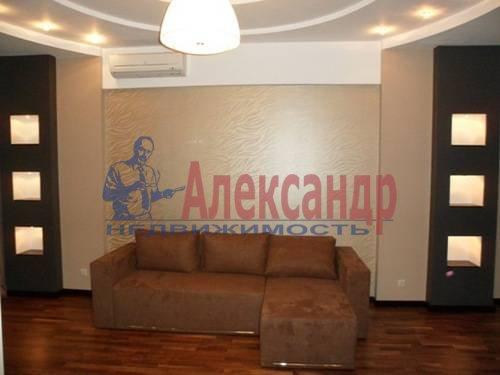 2-комнатная квартира (65м2) в аренду по адресу Ветеранов пр., 75— фото 2 из 6