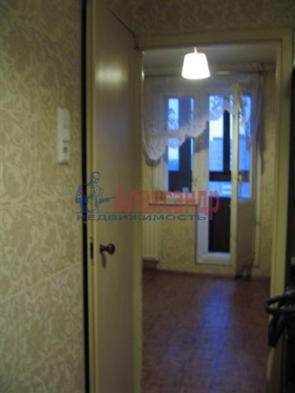 1-комнатная квартира (35м2) в аренду по адресу Московский пр., 73— фото 3 из 4