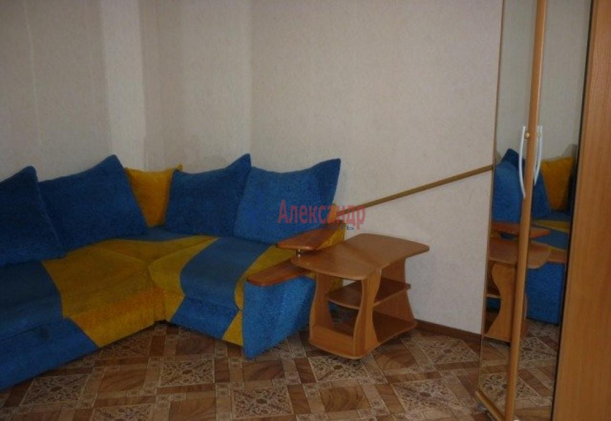 Комната в 2-комнатной квартире (48м2) в аренду по адресу Олеко Дундича ул., 11— фото 2 из 6