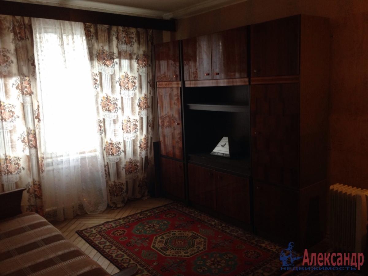 1-комнатная квартира (30м2) в аренду по адресу Грибакиных ул., 2— фото 2 из 10