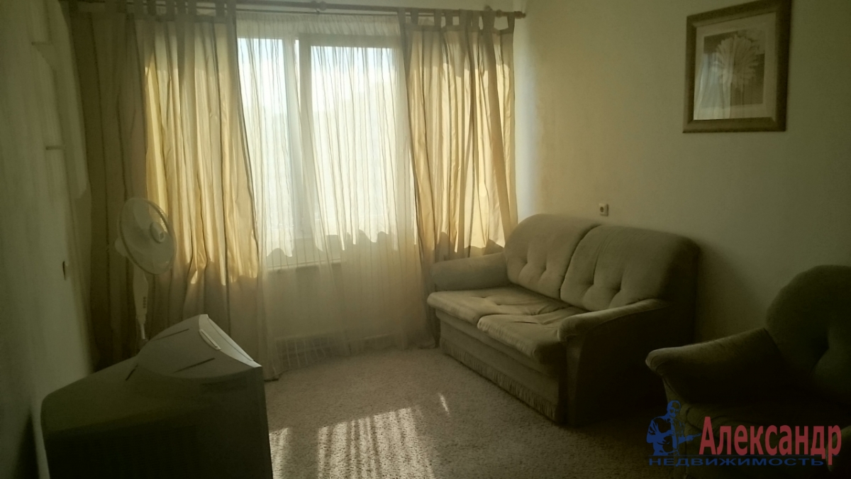 1-комнатная квартира (39м2) в аренду по адресу Дунайский пр., 5— фото 3 из 3