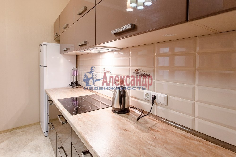 1-комнатная квартира (49м2) в аренду по адресу Смоленская ул., 11— фото 3 из 5