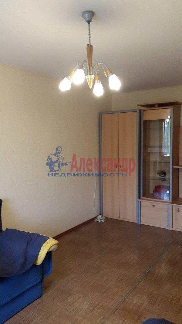 2-комнатная квартира (53м2) в аренду по адресу Политехническая ул., 17— фото 2 из 11