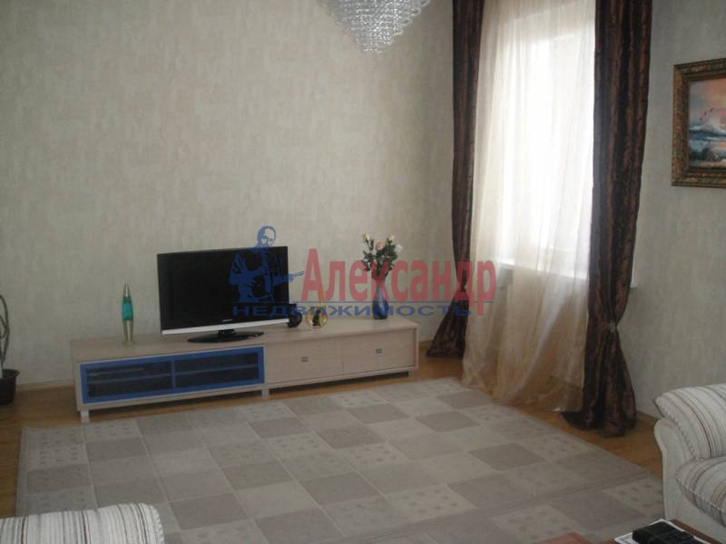 3-комнатная квартира (59м2) в аренду по адресу Богатырский пр., 32— фото 2 из 6
