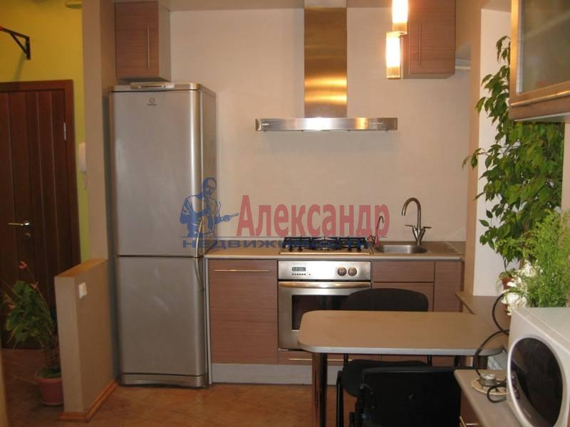 3-комнатная квартира (62м2) в аренду по адресу Ропшинская ул., 32— фото 2 из 11