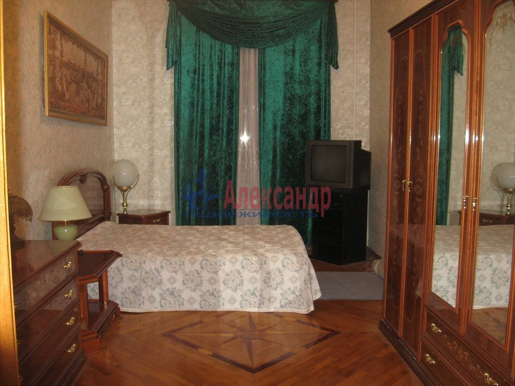 3-комнатная квартира (124м2) в аренду по адресу Мытнинская наб., 11— фото 1 из 5