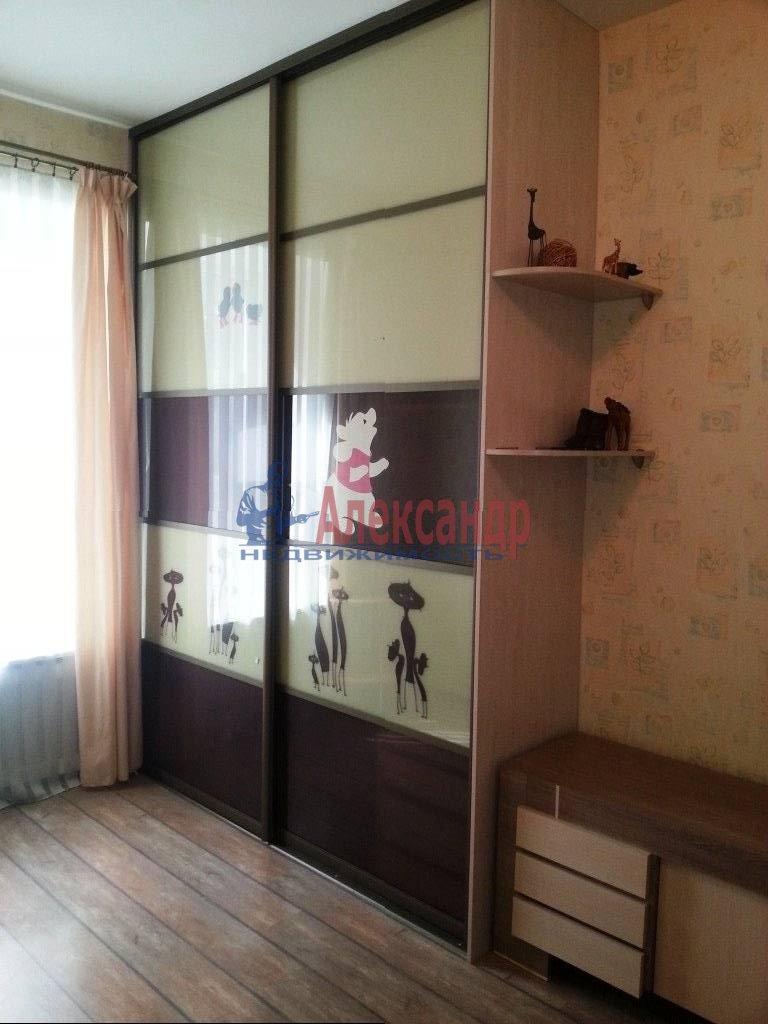 2-комнатная квартира (80м2) в аренду по адресу Ропшинская ул., 24— фото 6 из 9