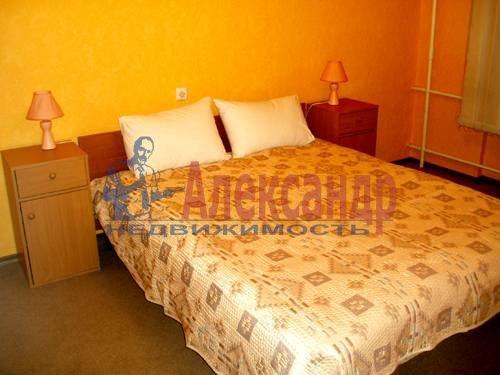 2-комнатная квартира (70м2) в аренду по адресу Ординарная ул., 18— фото 3 из 3