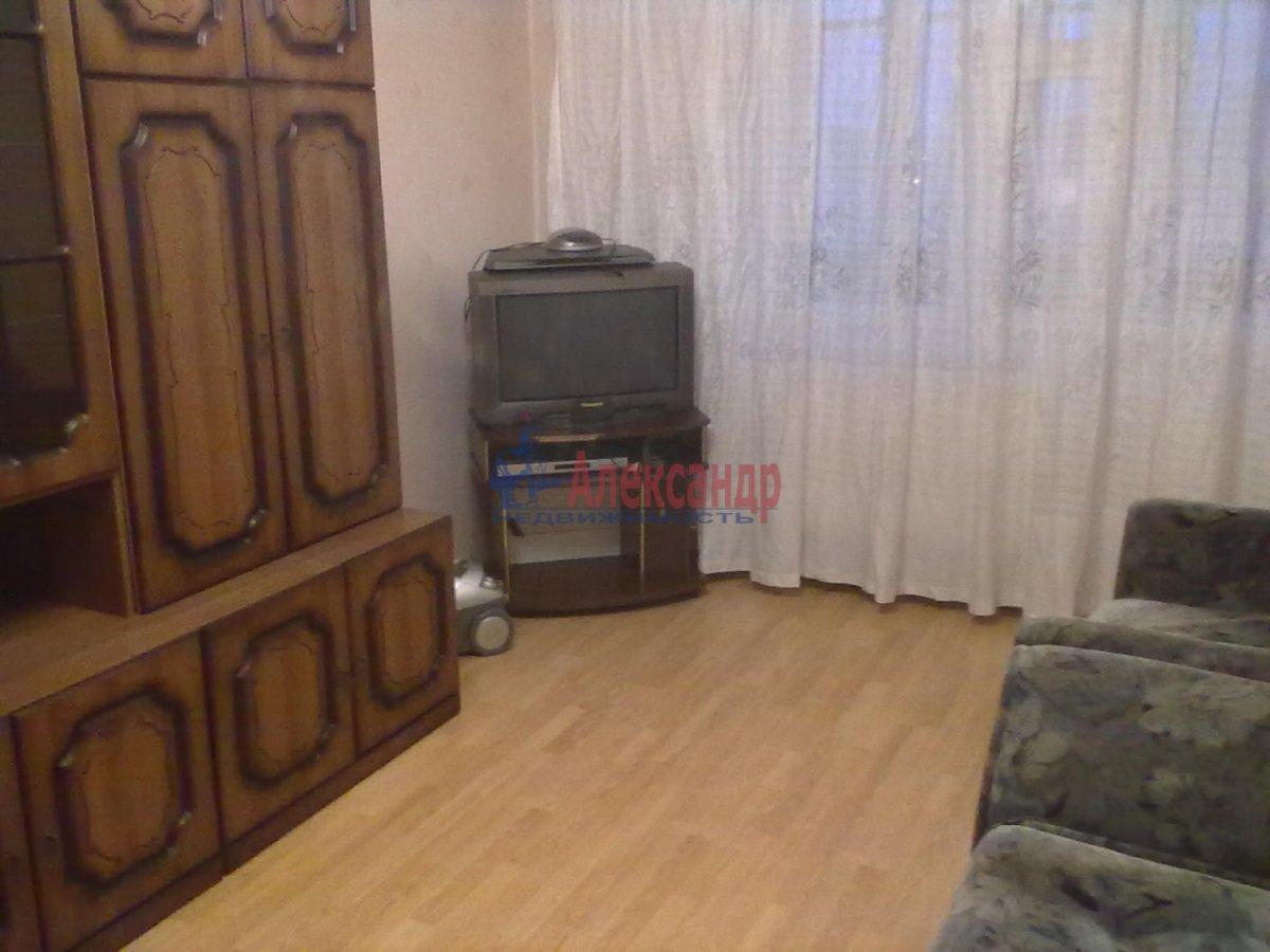 1-комнатная квартира (33м2) в аренду по адресу Северный пр., 73— фото 1 из 3