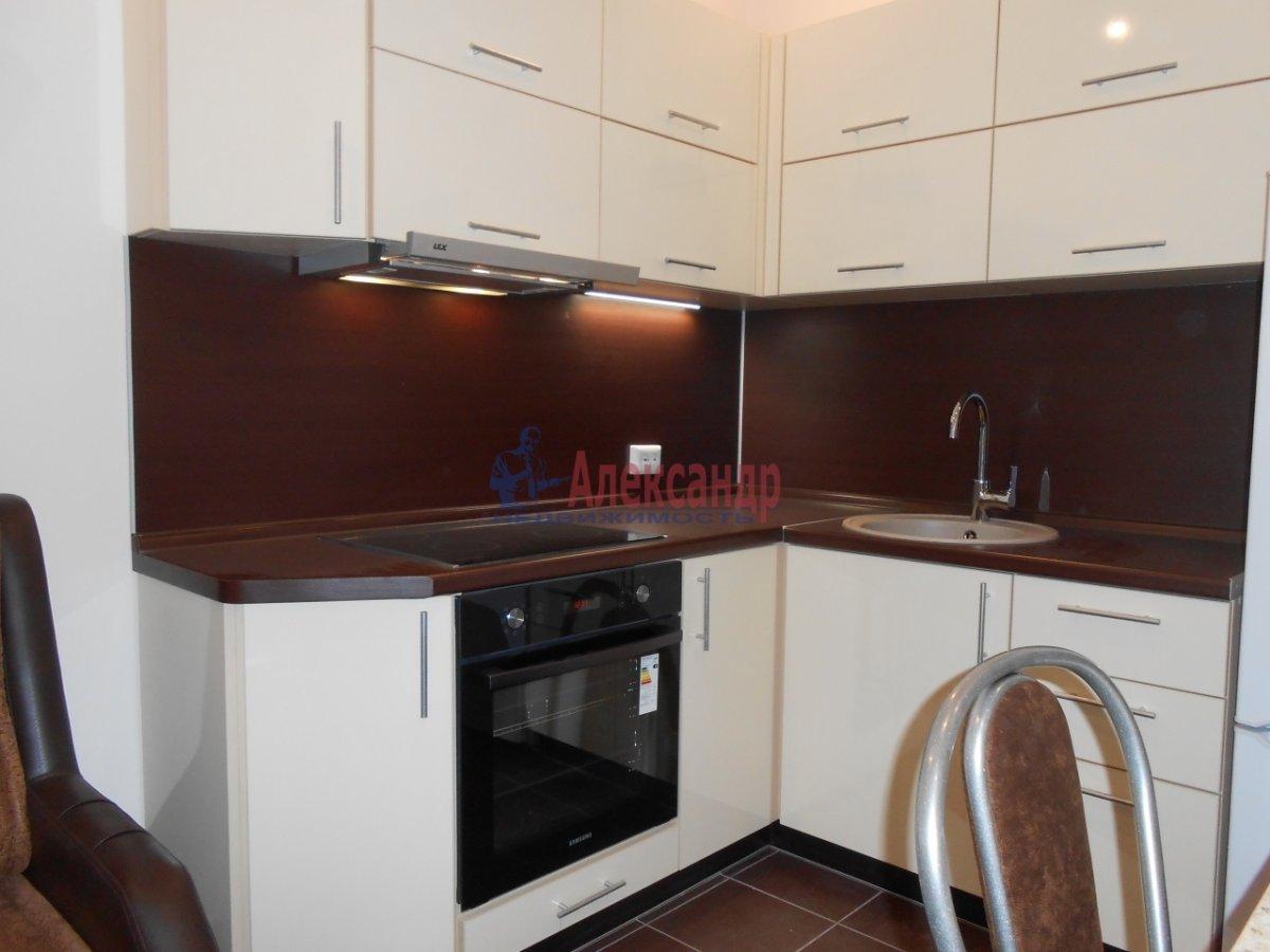 2-комнатная квартира (71м2) в аренду по адресу Учительская ул., 18— фото 12 из 12