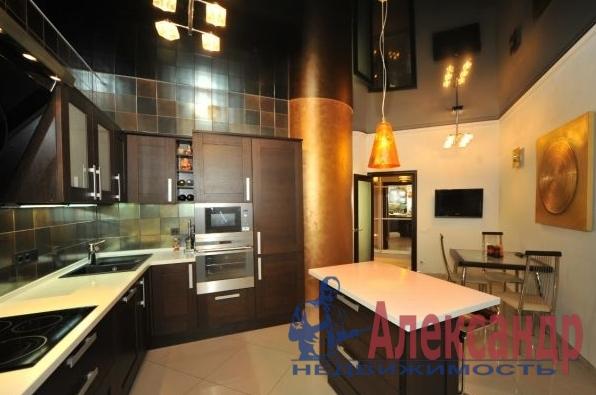 3-комнатная квартира (135м2) в аренду по адресу Оренбургская ул., 2— фото 4 из 4