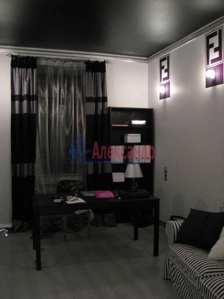 3-комнатная квартира (110м2) в аренду по адресу Реки Мойки наб., 1— фото 2 из 4