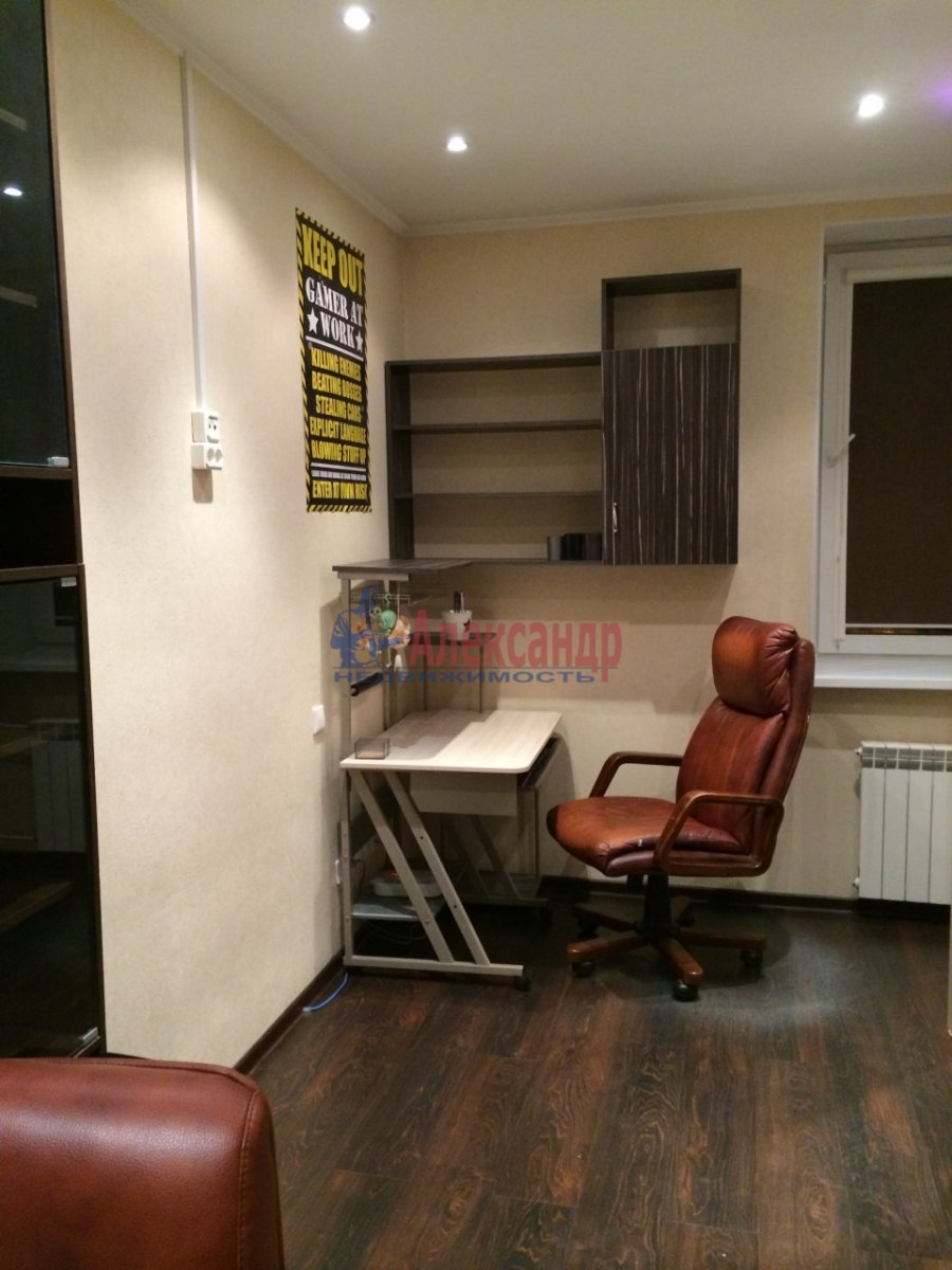 3-комнатная квартира (60м2) в аренду по адресу Киришская ул., 4— фото 7 из 9