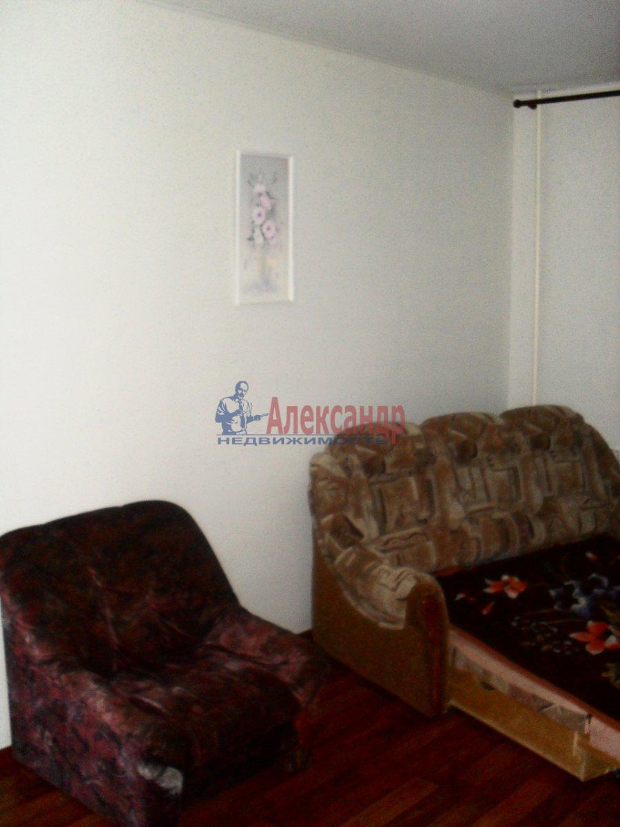 1-комнатная квартира (38м2) в аренду по адресу Ворошилова ул., 24— фото 2 из 4