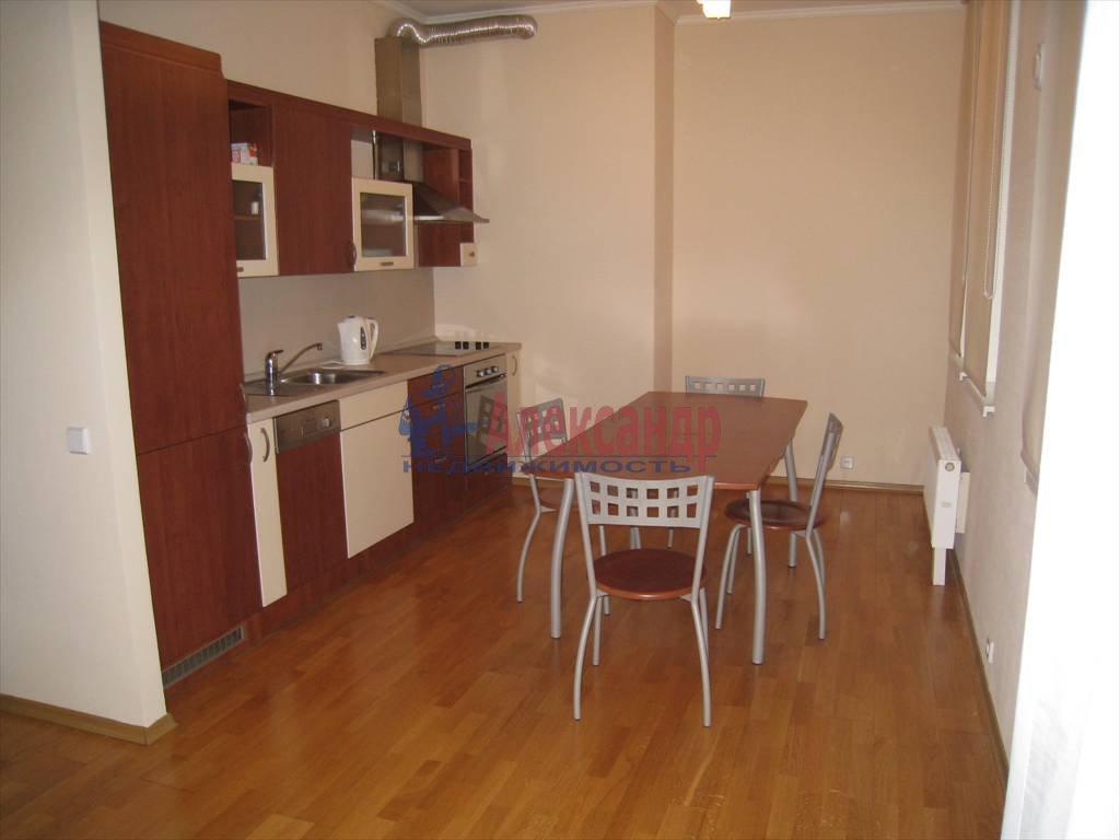 3-комнатная квартира (78м2) в аренду по адресу Крестьянский пер., 4а— фото 1 из 9