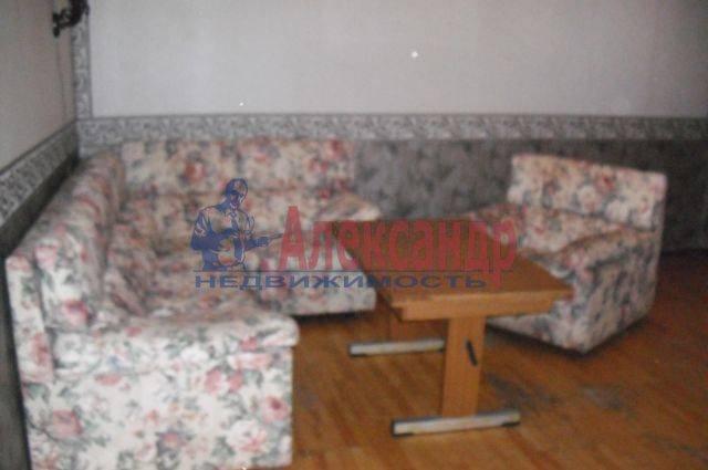 2-комнатная квартира (56м2) в аренду по адресу Ткачей ул.— фото 3 из 3