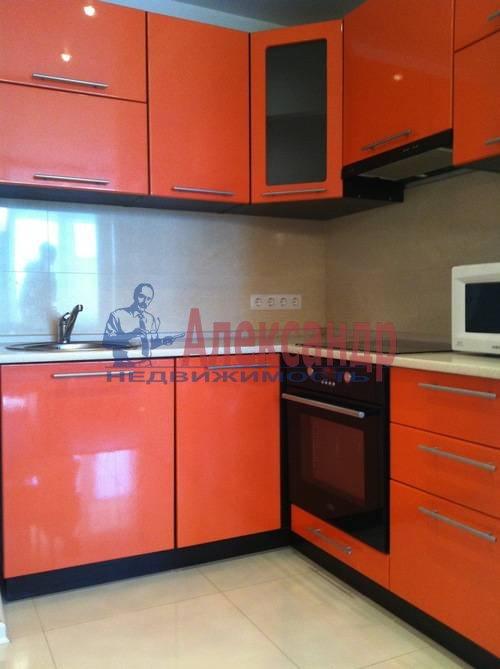 2-комнатная квартира (75м2) в аренду по адресу Космонавтов просп., 61— фото 1 из 17
