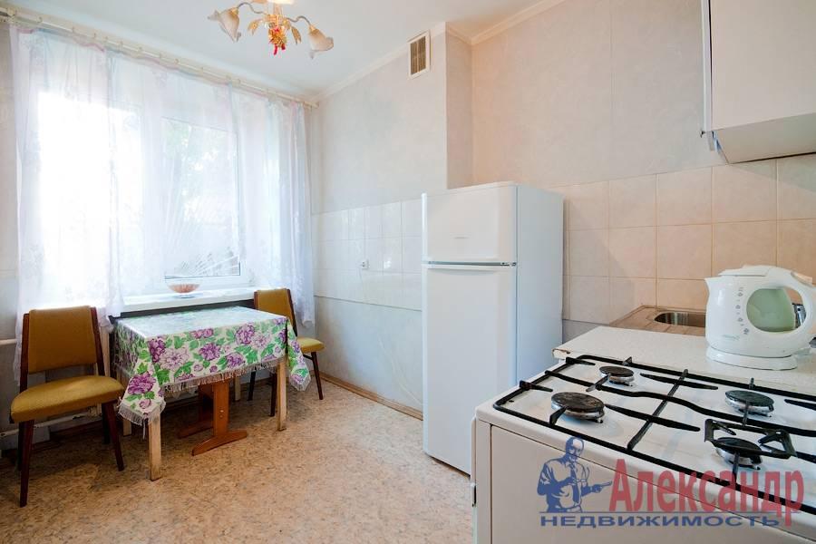 2-комнатная квартира (78м2) в аренду по адресу Кузнецовская ул., 8— фото 4 из 8