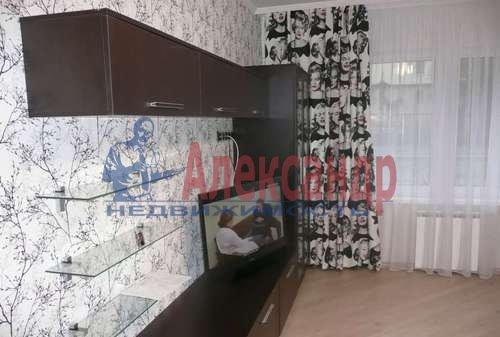 1-комнатная квартира (41м2) в аренду по адресу Просвещения пр., 33— фото 2 из 5