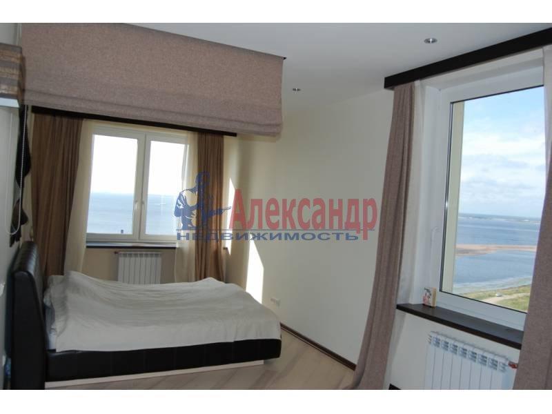 2-комнатная квартира (100м2) в аренду по адресу Кораблестроителей ул., 30— фото 11 из 14