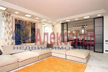 2-комнатная квартира (110м2) в аренду по адресу Рубинштейна ул., 3— фото 1 из 4