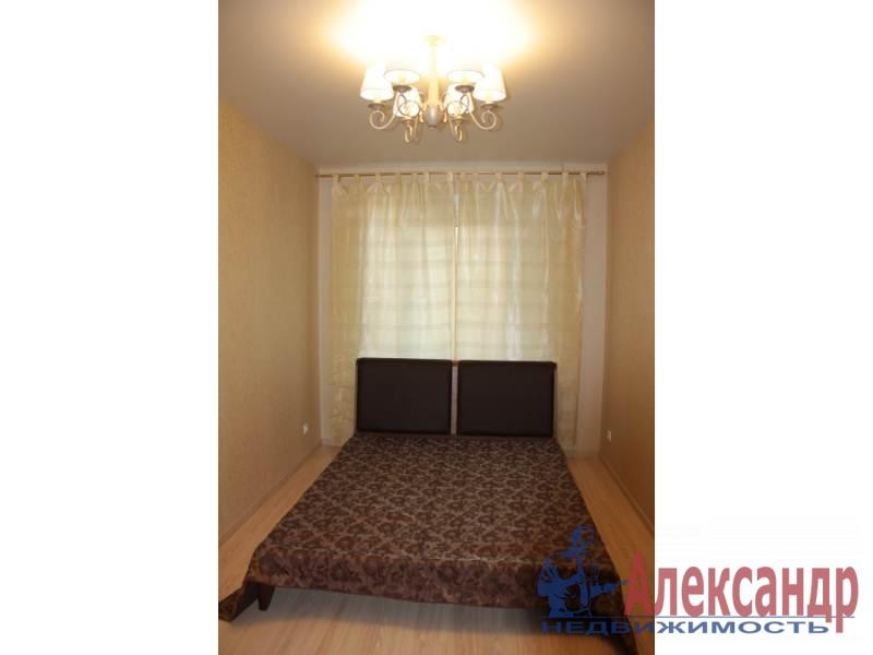 1-комнатная квартира (42м2) в аренду по адресу Учительская ул., 18— фото 2 из 6