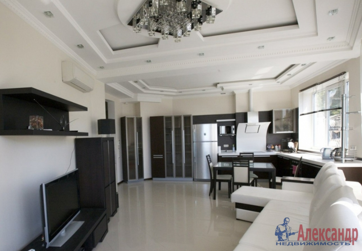 3-комнатная квартира (180м2) в аренду по адресу Мартынова наб., 4— фото 1 из 2
